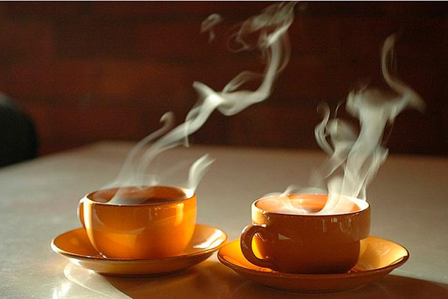 Два чая а мне кофе